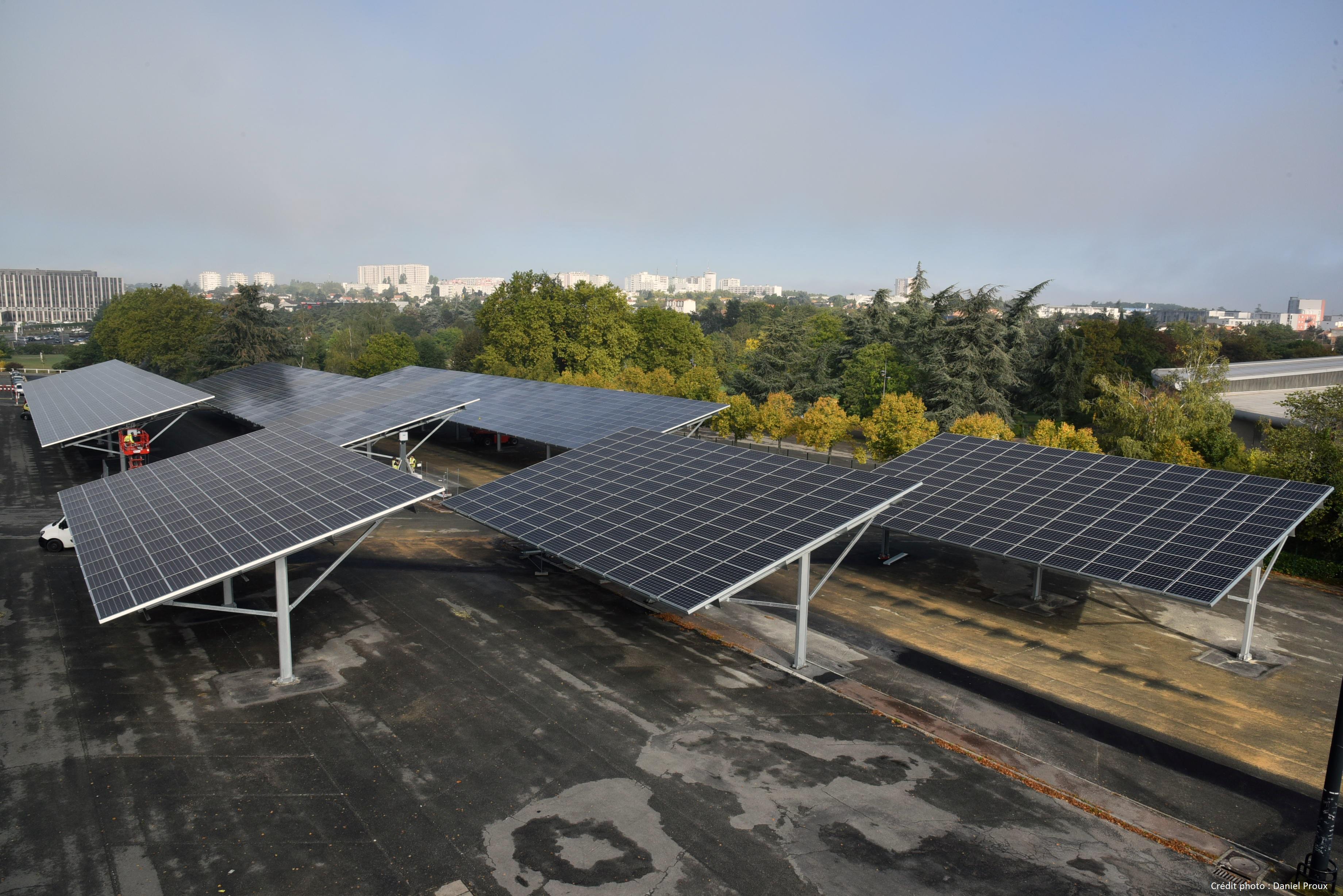 Ombrière photovoltaïque Poitiers